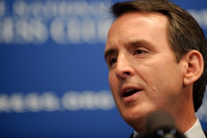 Former Minnesota Governor Tim Pawlenty addresses a Jan. 13, 2011 National Press Club luncheon.