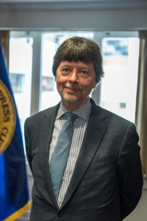 Filmmaker Ken Burns at June 14 National Press Club Headliners Event, at which he appeared with Lynn Novick to discuss their upcoming PBS documentary series on the Vietnam War.