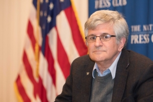 """Dr. Paul Offit discussed his book, """"Bad Advice Or Why Celebrities Politicians and Activists Aren't Your Best Source Of Health Information"""" at an Oct. 29 Naational Press Club Headliners Book Rap."""