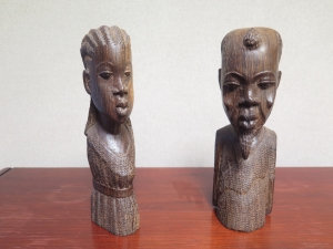 These African carvings were given to the National Press Club by the Club's 1994 John Aubuchon Press Freedom Award international winner, Kalala Mbenga Kalao. In his reporting, he exposed corruption by the dictator of Zaire, a country now known as the Democratic Republic of the Congo.