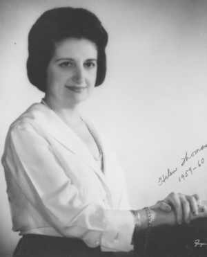 Helen Thomas was president of the Women's National Press Club in 1959, when she became the first female journalist to sit at a National Press Club luncheon head table.