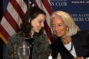 Speaker Christine Lagarde chats with NPC member Kasia Klimasinska, a Bloomberg report and the Speakers Committee member who organized the event, Jan. 15, 2014.