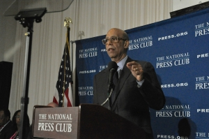 Michael Lomax, president and chief executive of the United Negro College Fund, told a March 25 Club luncheon that the fund is facing a severe financial crisis.