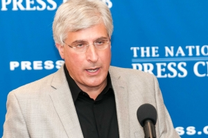 "Author Steve Berry discusses his latest book, ""The King's Deception,"" at a June 19, 2013 Book Rap at The National Press Club."