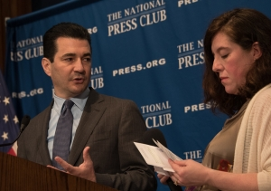 FDA Commissioner Scott Gottlieb listens as Andrea Edney, Vice President of the National Press Club, reads questions from the audience Nov. 4, 2017.