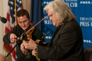 Ricky Skaggs (r) and Andy Leftwich, a member of the band Kentucky Thunder that plays with Skaggs, perform at a Dec. 20  National Press Club luncheon.