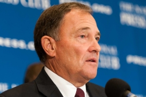 Utah Gov. Gary Herbert, chair of the National Governors Association, said that states should have more responsibilites and the federal government fewer at an Oct. 2 National Press Club luncheon.