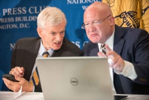 David Kilgour, former Canadian Secretary of State for Asia-Pacific (left) and investigative journalist Ethan Gutmann released the finds of their study of forced organ harvesting in China at a National Press Club Newsmaker news conference on June 22..