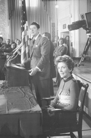 In 1975, former California Gov. Ronald Reagan announced his presidential candidacy at the National Press Club, taking on President Gerald Ford for the Republican nomination in 1976. As president in 1982, Reagan swore in the Club's first female president, Vivian Vahlberg.