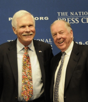 Ted Turner (l) and T. Boone Pickens