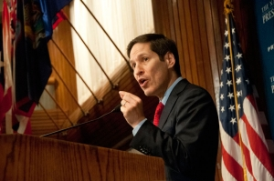 Dr. Thomas Frieden, director of the U.S. Centers for Disease Control, speaks at a Club luncheon on Sept. 10, 2013.