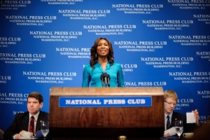 Venus Williams addressed a sold-out crowd at a July 7 NPC luncheon event. She discussed the 2010 Wimbledon tournament, her play with the Washington Kastles and her new book. Also...
