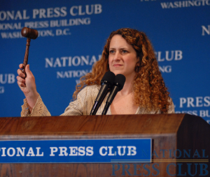 NPC President Donna Leinwand gavels to order the National Press Club Luncheon featuring Treasury Secretary Ray LaHood on May 21, 2009.Photo: Greg Tinius/Tinius-Arts