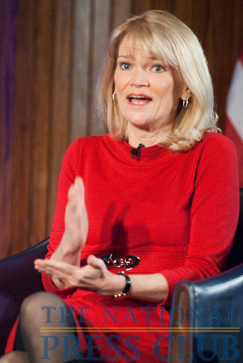 ABC News senior foreign affairs correspondent, Martha Raddatz gives advice to aspiring journalists at a March 8 Kalb Report at the National Press Club. Ms. Raddatz has traveled to Iraq...