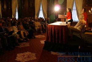 Elizabeth Edwards addresses reporters, fans and interested NPC members at the club's Book and Author Committee event on May 21, 2009.Photo: Kyle McKinnon