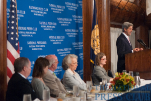 Senator John Kerry discusses climate change at a July 29 NPC luncheon. (L-R Myron Belkind, Coral Davenport, Bob Crowe, Kathy Bonk, Angela Greiling-Keane)Photo: Noel St. John