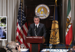 Reza Pahlavi, Iran's former Crown Prince, addresses a National Press Club Newsmaker press conference on June 22, 2009.Photo: Gregory Tinius