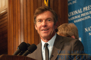 Famed movie star Dennis Quaid shows his trademark grin as he responds to a question following his address to the National Press Club.Photo: Al Teich