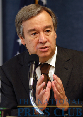 Antonio Guterres, United Nations High Commissioner for Refugees, discusses the release of the 2009 Global Report on Refugee Trends.Photo: Gregory Tinius