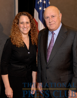 NPC President Donna Leinwand with F.W. de Klerk, Nobel Peace Prize winner and former President of South Africa at the May 5th Newsmaker.Photo: Gregory Tinius/Tinius-Arts