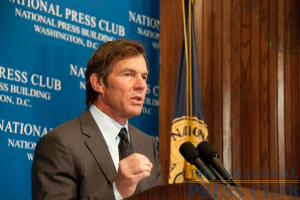Actor Dennis Quaid speaks on avoiding medical errors at a National Press Club luncheon.Photo: Al Teich