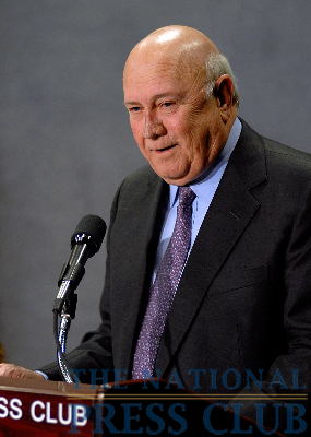 F.W. de Klerk, Nobel Peace Prize winner and former President of South Africa, addresses the media about the recent elections in his country.Photo: Gregory Tinius/Tinius-Arts