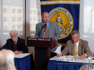 Mark Schoeff, Jr., Chair, NPC Newsmakers Committee, kicks off the National Press Club Newsmaker press conference September 14, 2009.Photo: Gregory Tinius