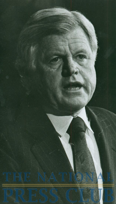 "Senator Kennedy addresses an NPC luncheon on the subject of ""The Press and Public Service,"" May 2, 1990.Photo: Stan JenningsDate: May 2, 1990"