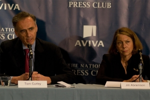 Jill Abramson looks on as Tom Curley answers a question. Photo by Sam Hurd.
