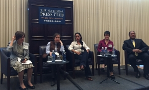 Panel discusses obstacles to investigative reporting in Latin America at March 23 event. From left: Joyce Barnathan, president International Center for Journalists; Carmen Aristegui,  Aristeguinoticias.com; Suchit Chávez, La Prensa Grafica; Ana Carolina Alpirez, ojoc                                                                  ICFJ; Carmen Aristegui,  Aristeguinoticias.com; Suchit Chávez, La Prensa Grafica; Ana Carolina Alpireoconmipisto.com; and Luis Botello, ICFJ senior program director.