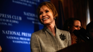 Mary Tyler Moore speaks at a National Press Club Luncheon on May 28, 2009