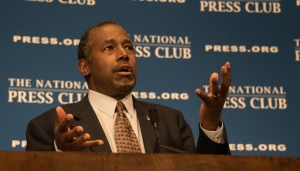 Ben Carson, retired Johns Hopkins neurosurgeon, author, and Republican Presidential candidate, speaks to a luncheon at the National Press Club, October 9, 2015.